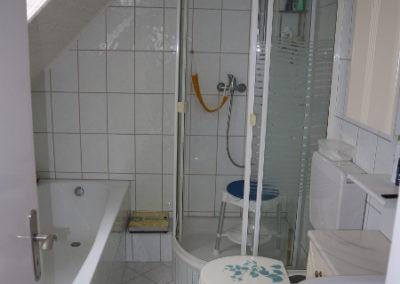 28-DG - Badezimmer