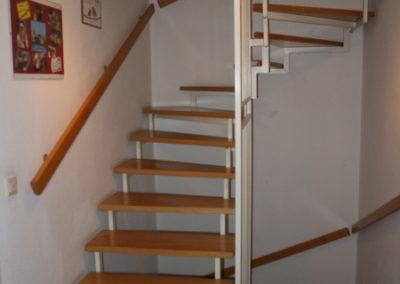 17-Treppenaufgang zum OG