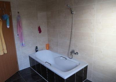 25-Badezimmer