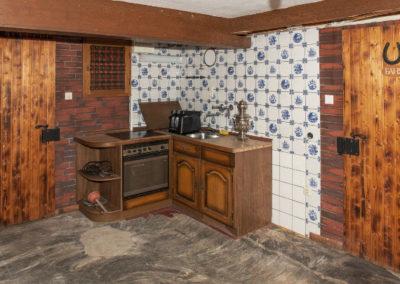 48-Kellerküche