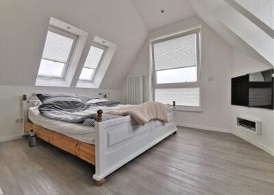 27-Schlafzimmer DG