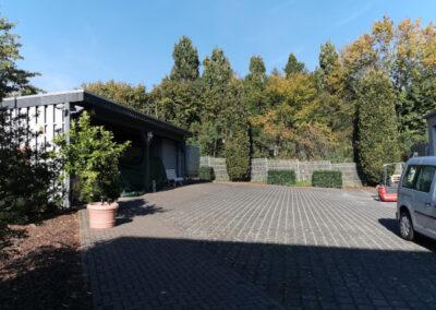 09-Hof + Carport