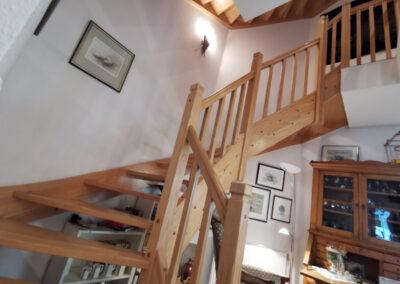 19-Treppenaufgang zum OG